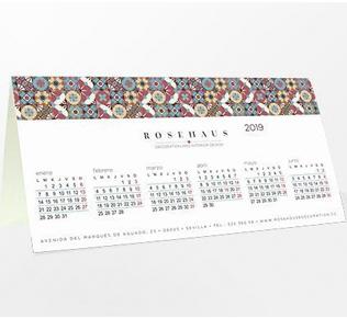 CLDR-1906 CALENDARIO DE MESA PVC. Formatos 9x9; 15x15; 15x20; 20x10; 20x15; 30x10
